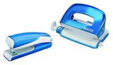Sada mini sešívačka a děrovačka Leitz WOW, metalická modrá