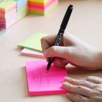 Samolepicí bloček Stick n neonově růžový, 76 x 127 mm 3
